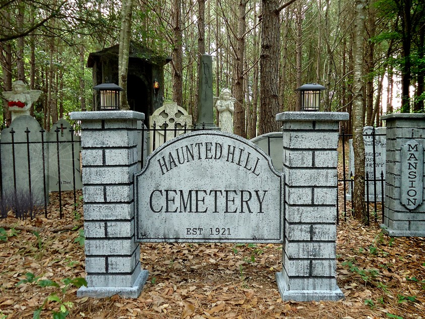 Haunted Hill Cemetery Sign1