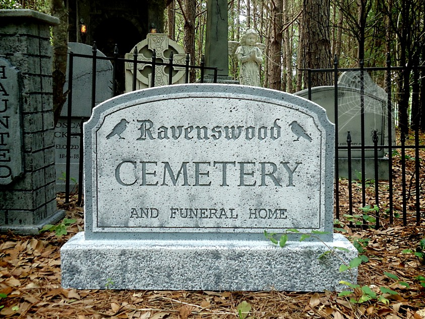 Ravenswood Cemetery Sign1